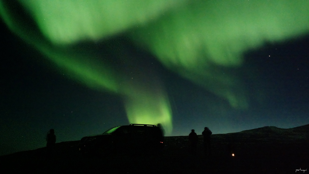 Northern lights with a mobile by Alexandro Lacadena