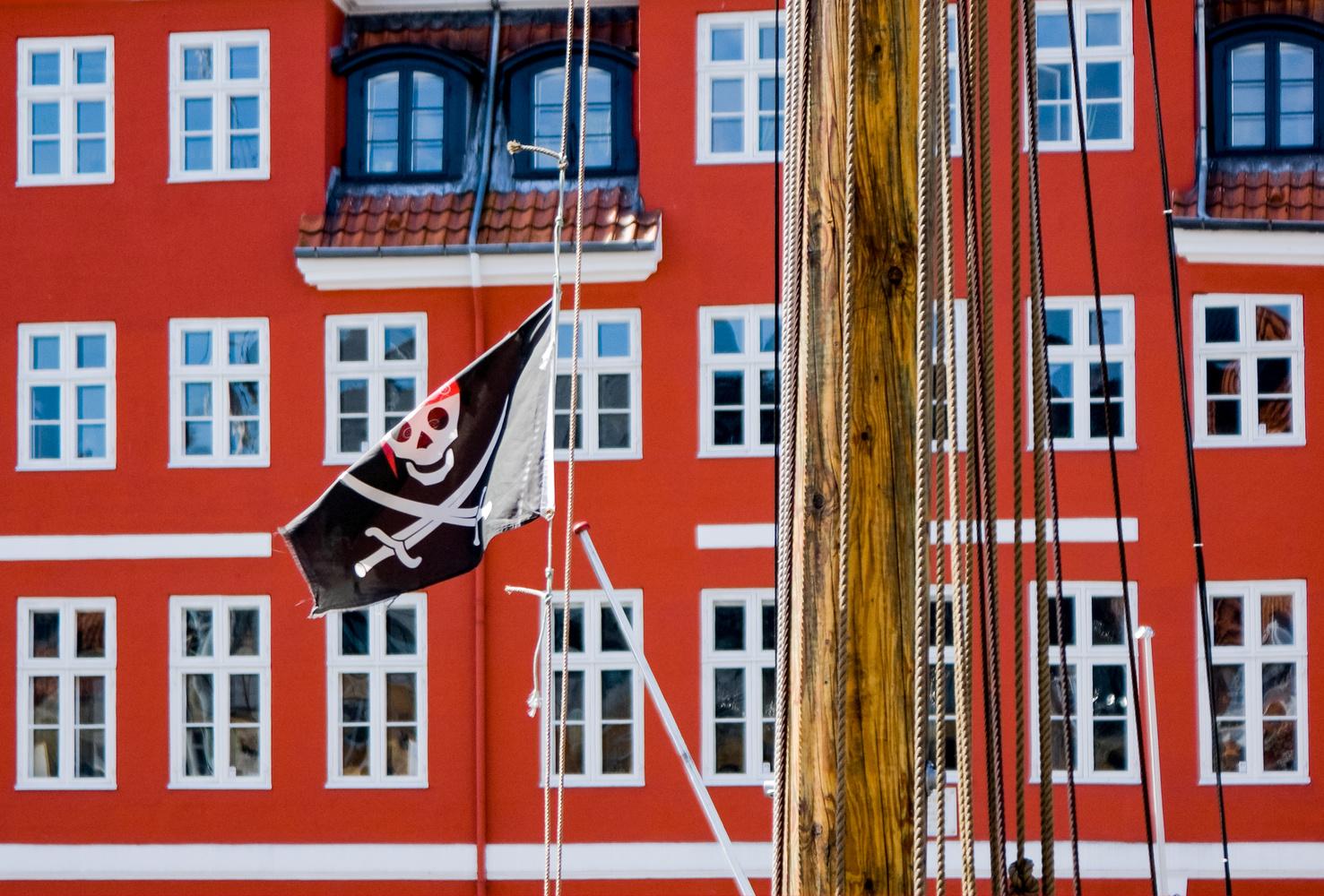 Jolly Roger by Chris Mummery