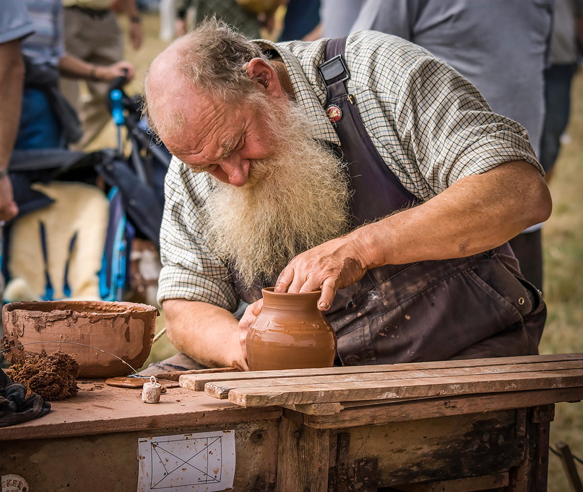 The potter by Chris Mummery