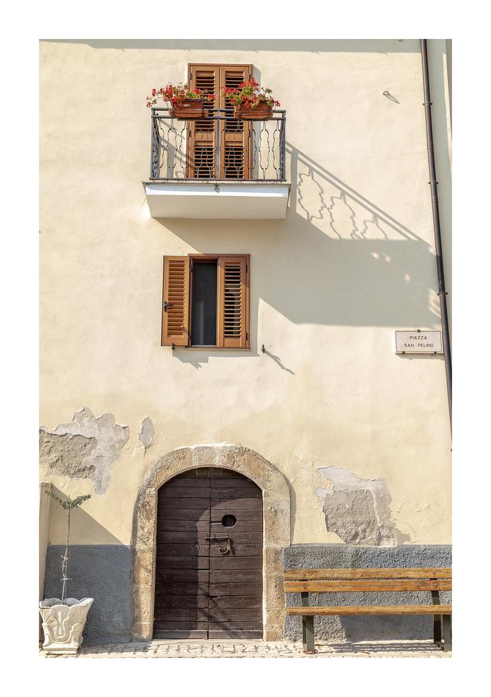 Navelli, Abruzzo. Italia. by Clare Lusher