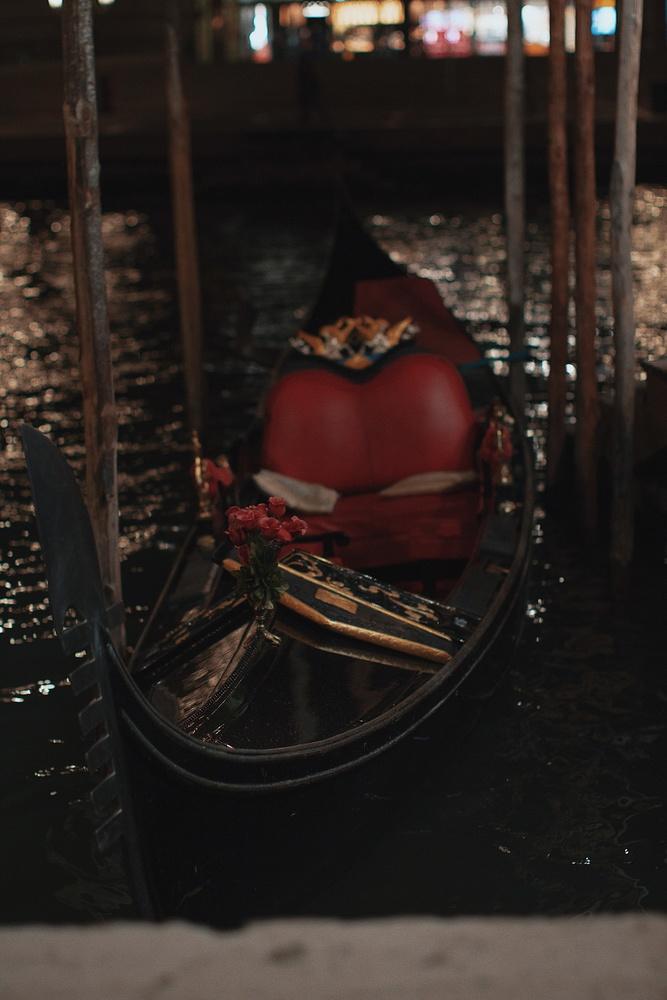 Gondola by Ricardo Castelin
