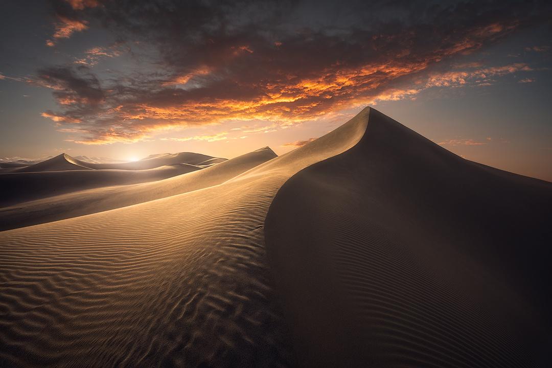 Desert by Hossein Sedghi