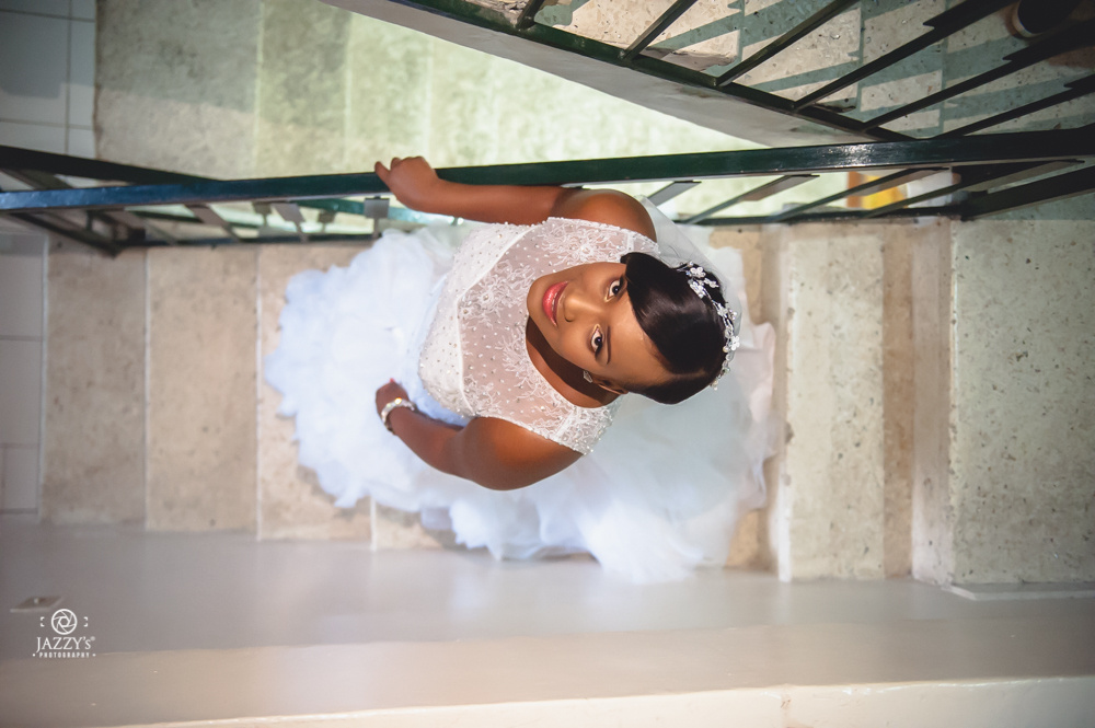 Stunning bride by JAZZY's Photography®