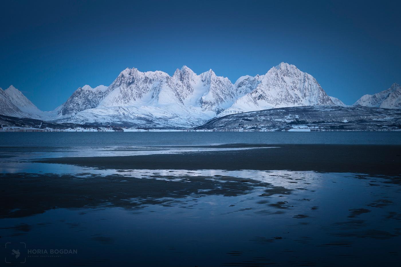 Arctic blue by Horia Bogdan