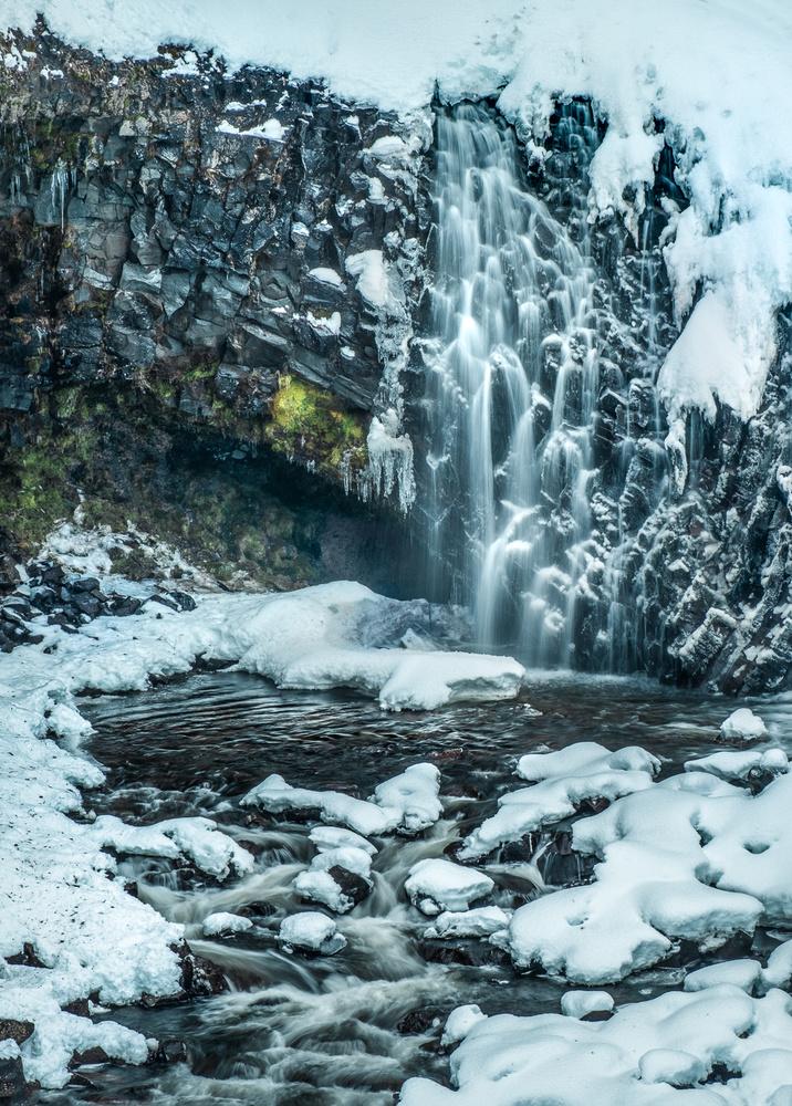 Winterfell by Julian Macedo