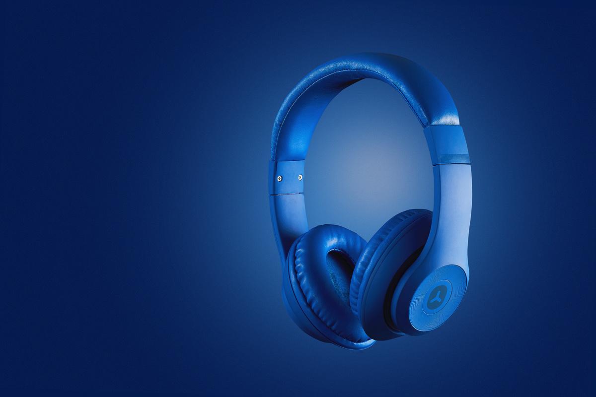 Blue Headphones by Rui Bandeira