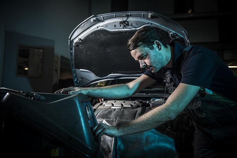 Mechanic at work by Joost van Baars