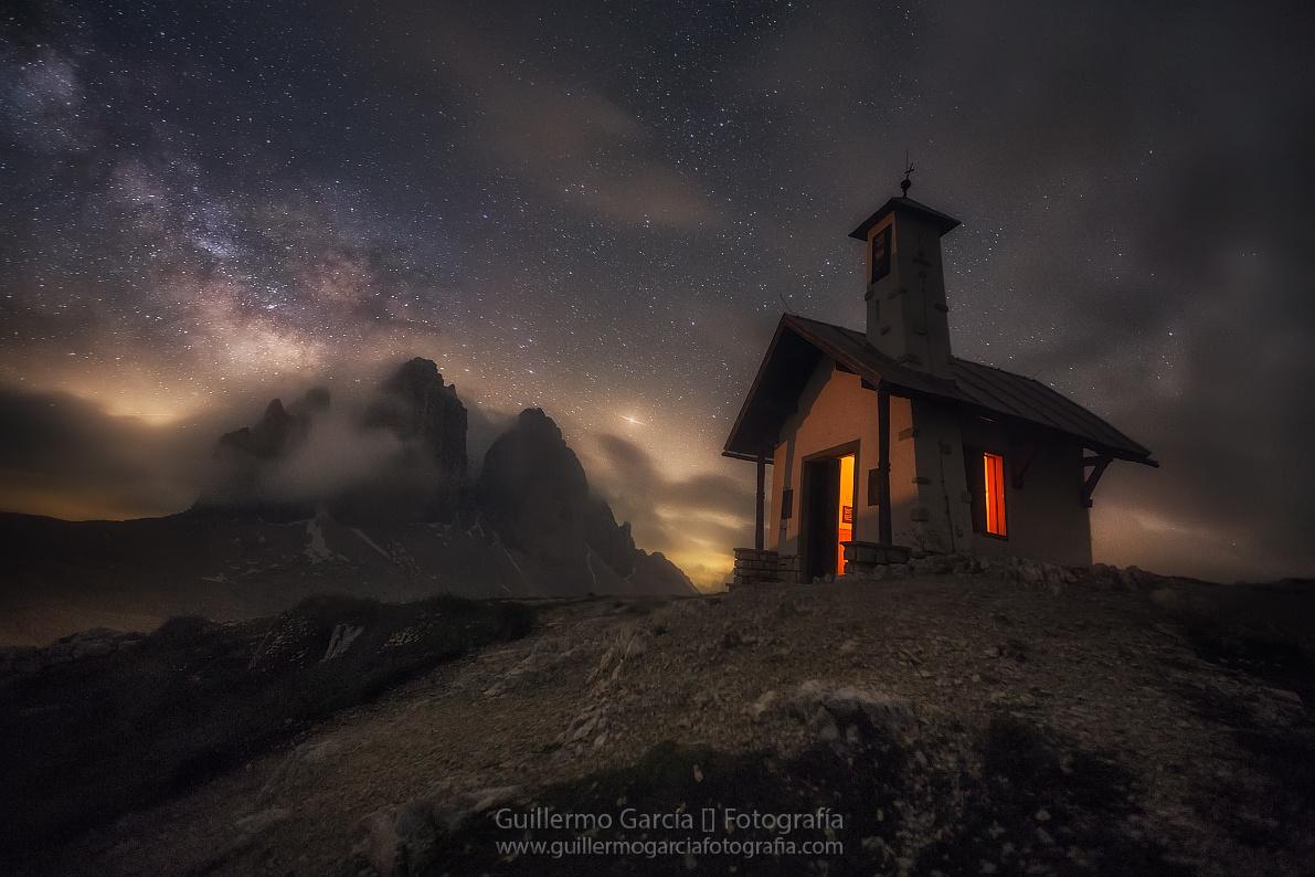 Queen of the Night by Guillermo García