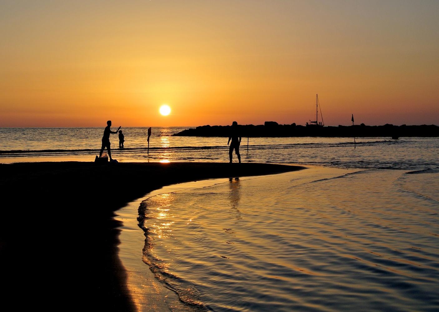 Tel Aviv sunset by Marian Pollock