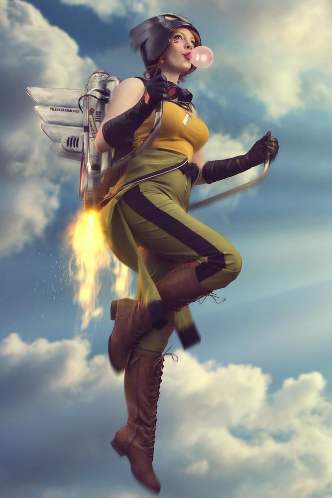 BombShell Hawkgirl  by Alexandra Brumley