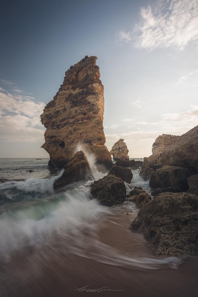 Every breaking wave by Manu García