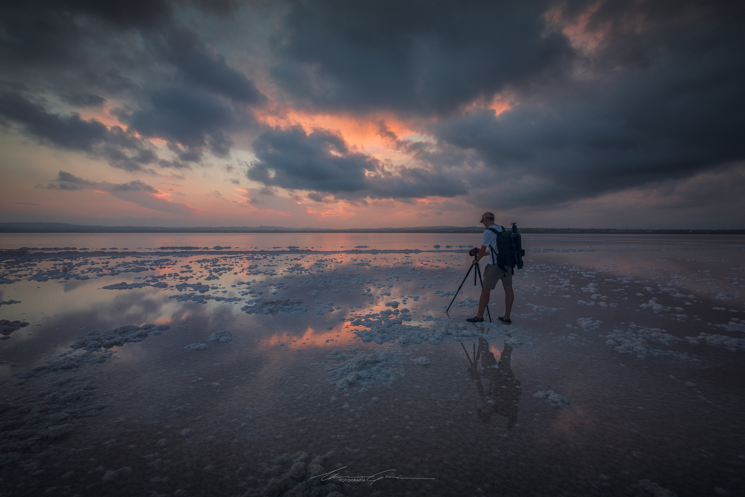 Where there's salt, there must be something to shoot by Manu García