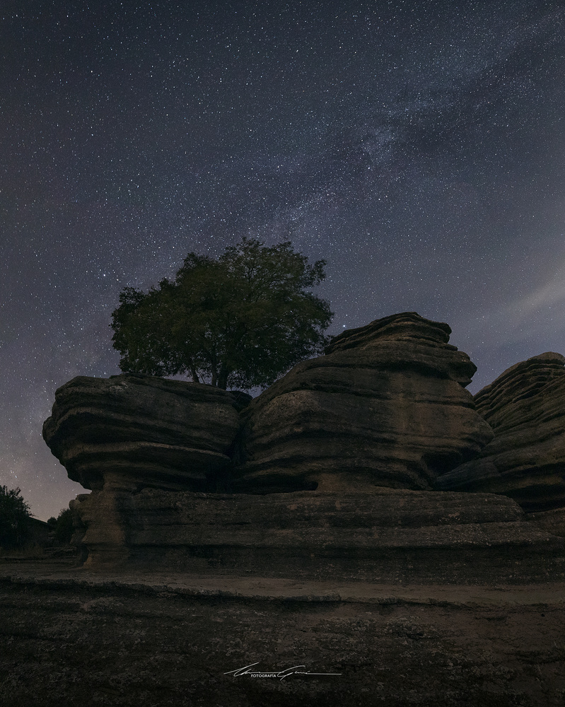 When nights get longer by Manu García