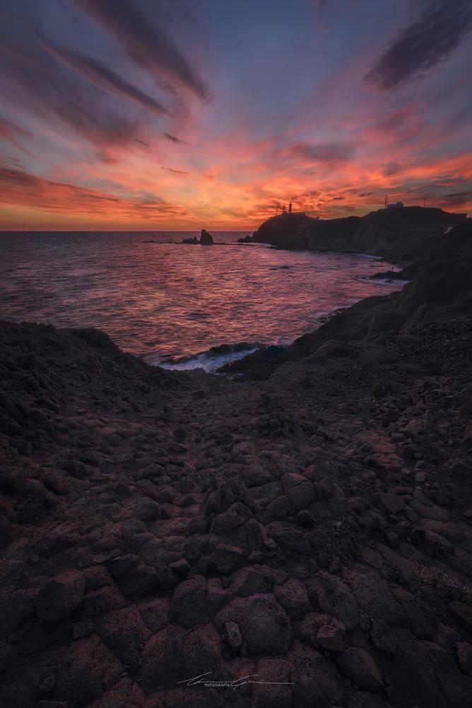 Basaltic sunset by Manu García
