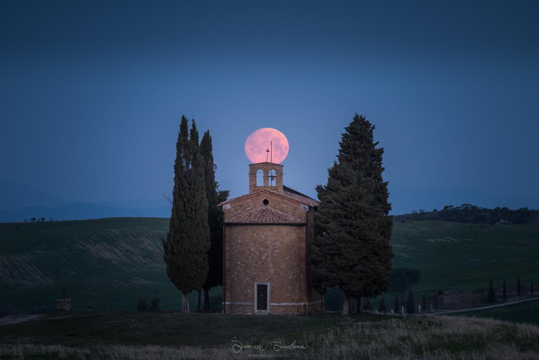 Supermoon set by Samuel Scicluna