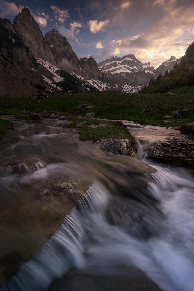 Rioseta Flow by Hugo Valle