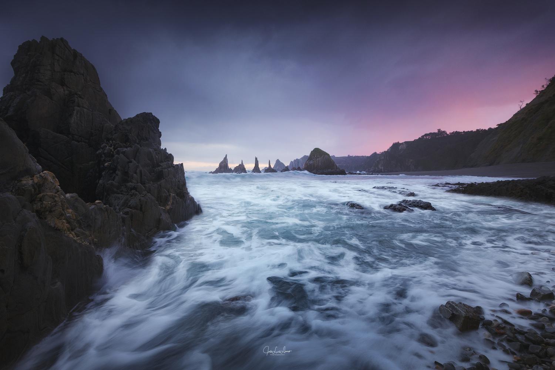Magenta sunrise by Jose Luis Llano