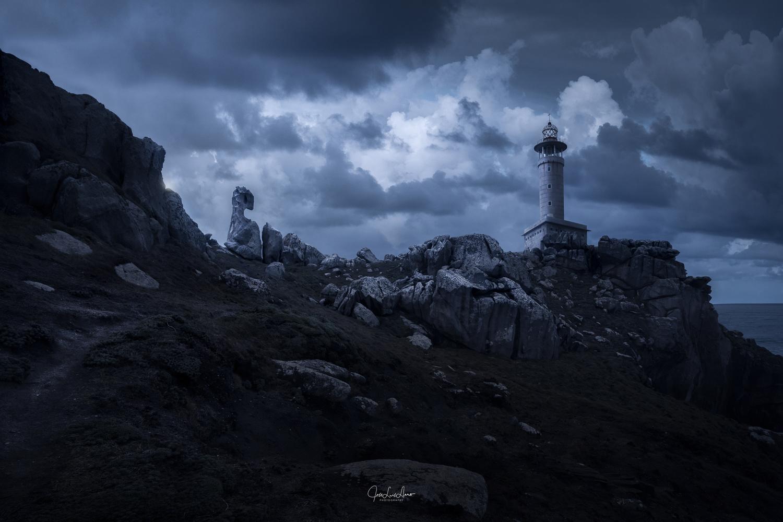 Dragonstone by Jose Luis Llano