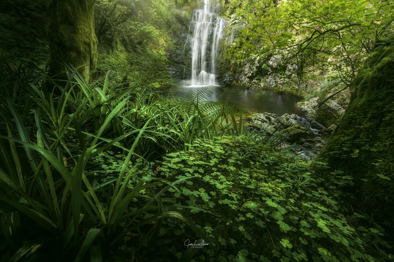 Cioyo waterfall. by Jose Luis Llano