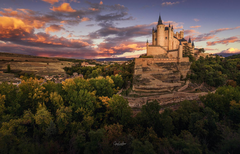 Alcázar of Segovia by Jose Luis Llano