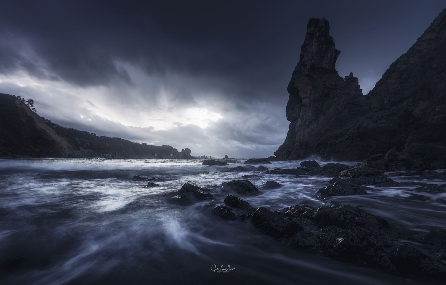 Stormy lights by Jose Luis Llano