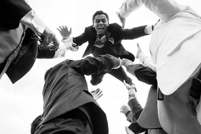 Ricardo flies away by Jorge Pastrana