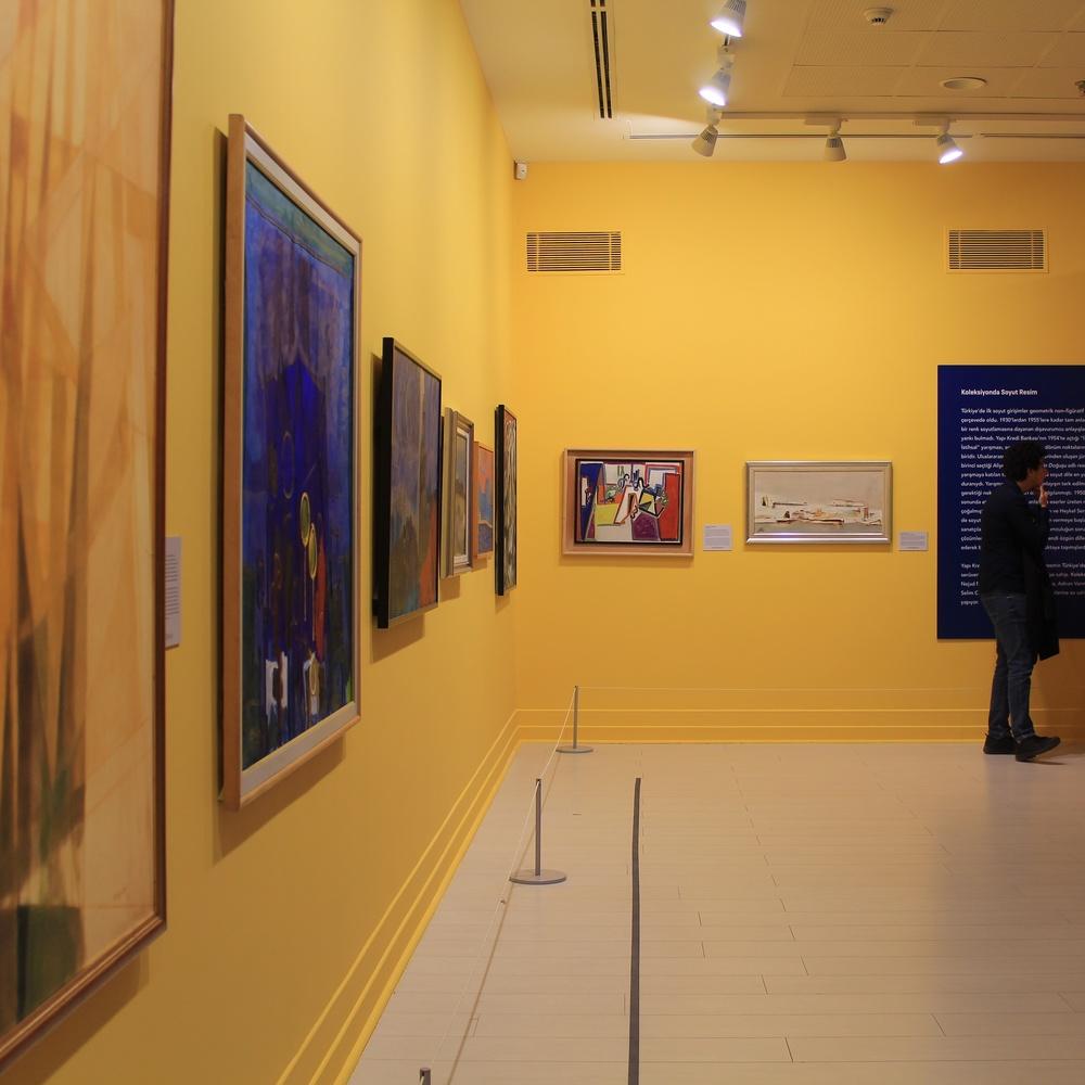 art gallery by ismail alper şenova