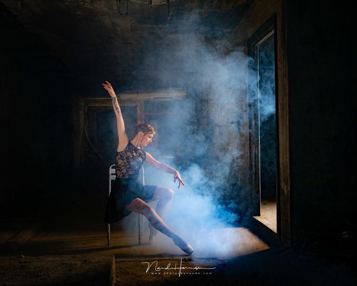 A dancer by Nando Harmsen