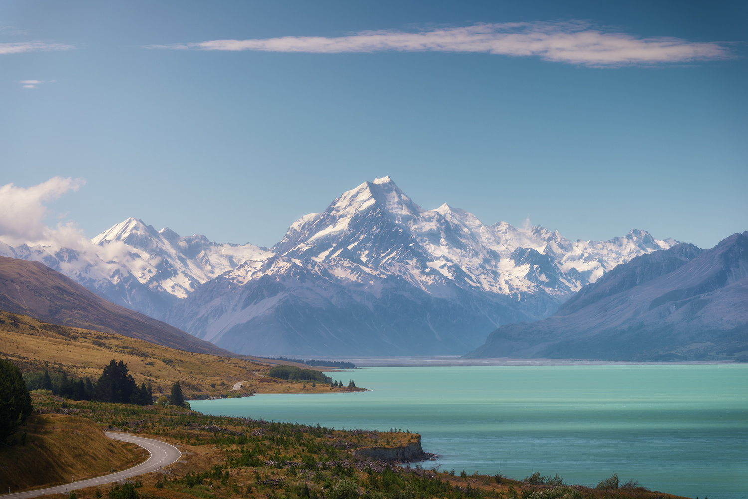 Mount Cook, the highest mountain in New Zealand by DaniGviews /Daniel