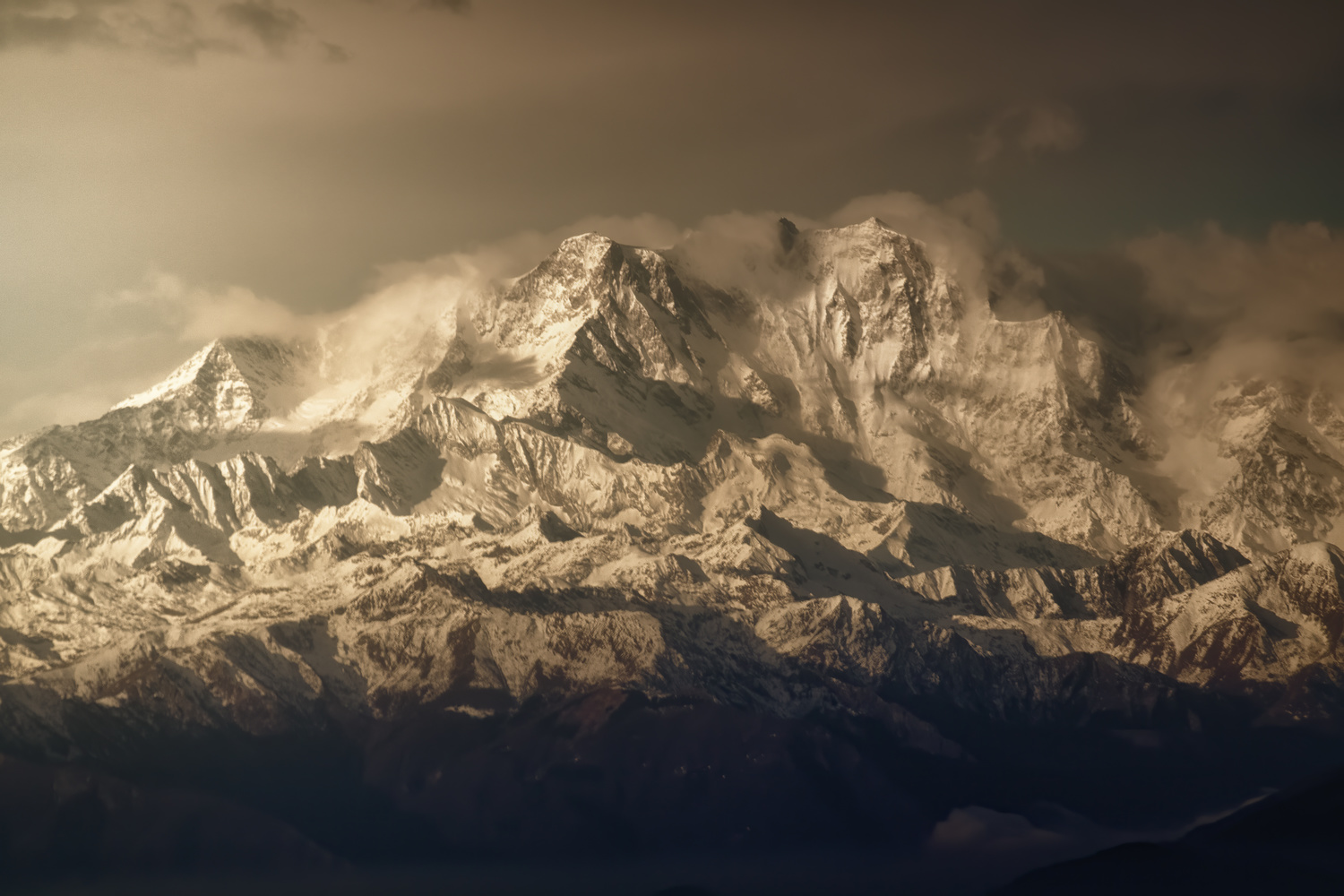 Not everything will be dolomites in the Italian Alps by DaniGviews /Daniel