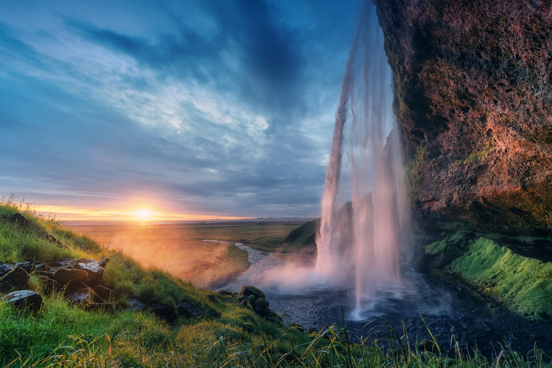 Sunset in Seljalandsfoss by DaniGviews /Daniel
