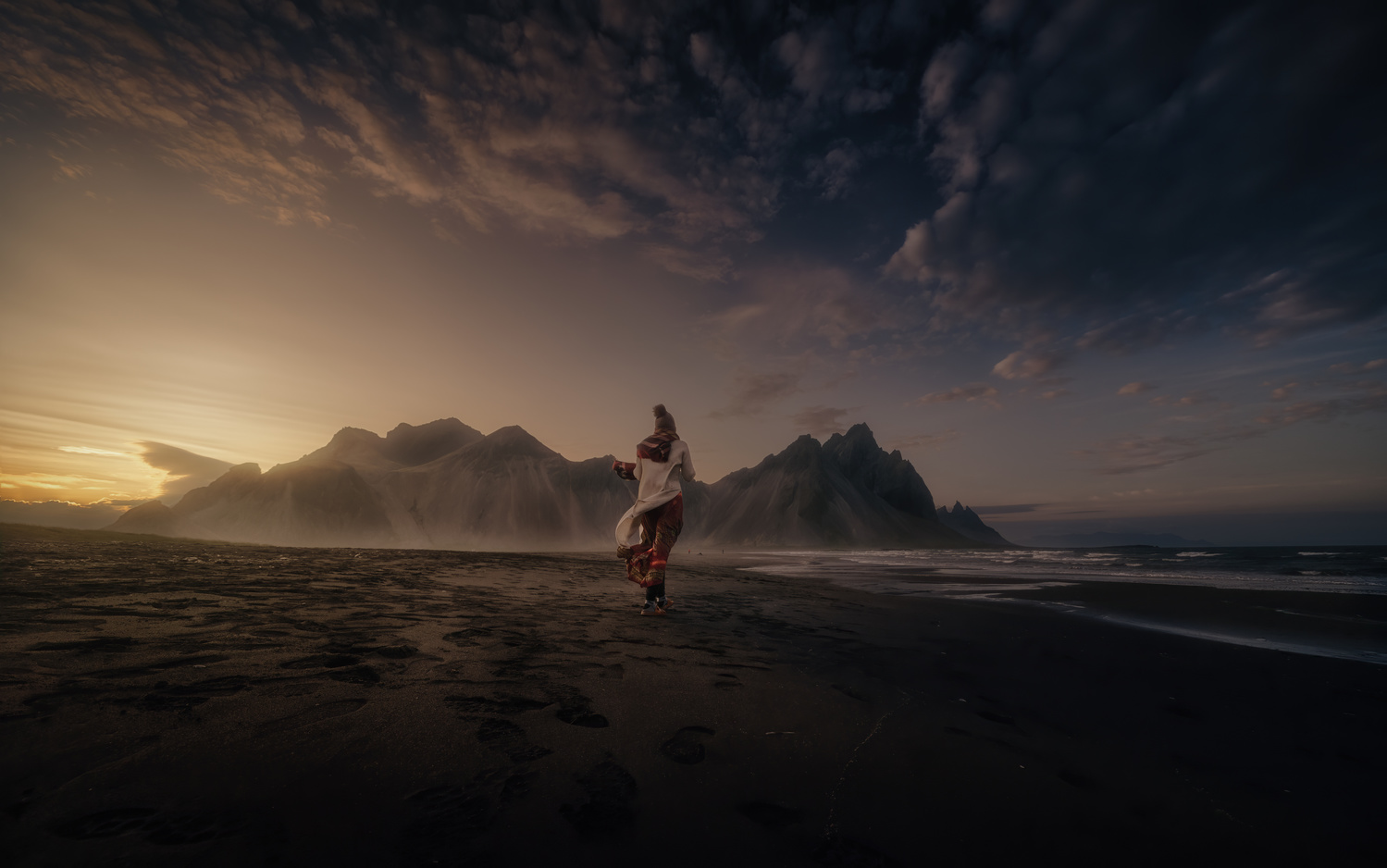 The sounds of the wind in Stokksnes by DaniGviews /Daniel