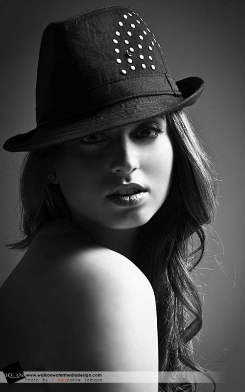 Portraits by Reynante Tomasa