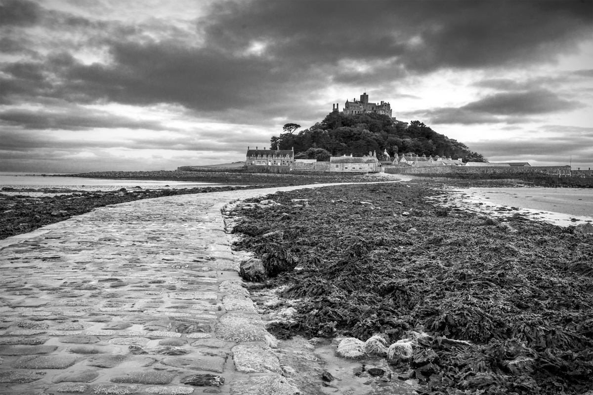 St Michaels Mount, Cornwall. by Peter Jarvis