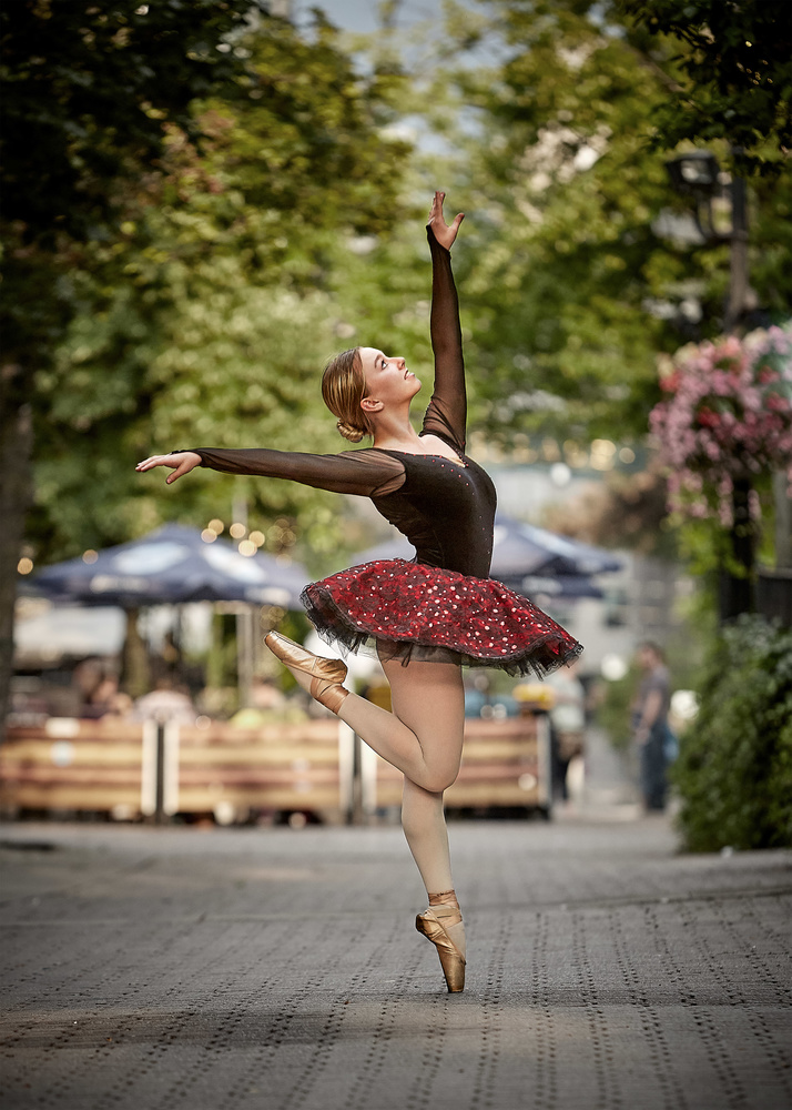 Dance in the City by Hank Rintjema