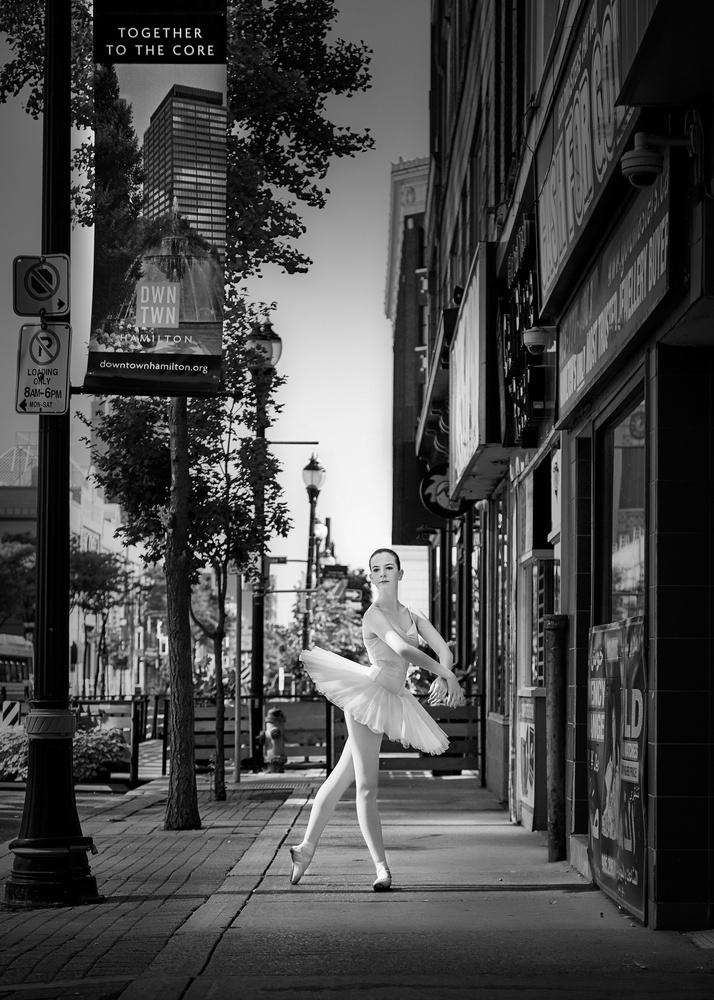Street Dance by Hank Rintjema