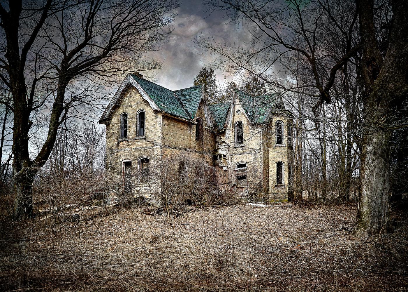 Abandoned House by Hank Rintjema