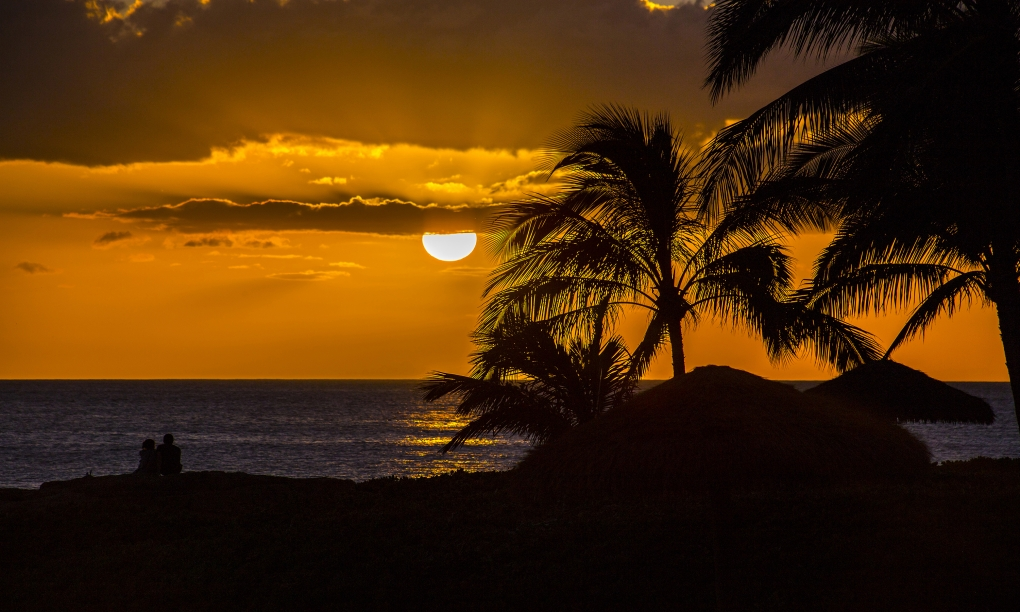 Sunset on the pacific by Jody Baumle