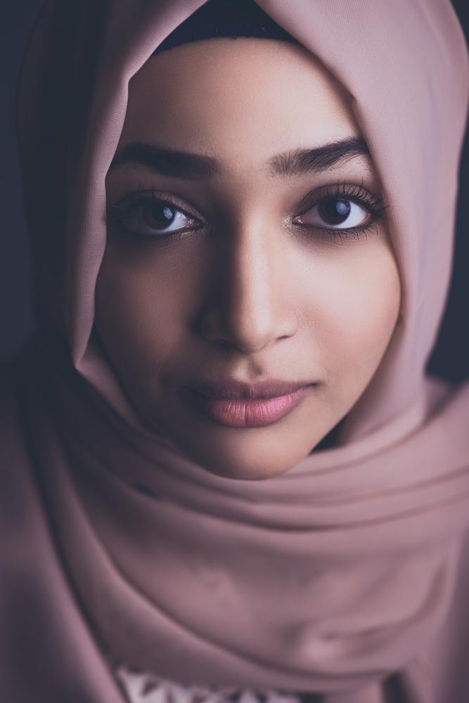 Hala  by Ahmed Elno'man