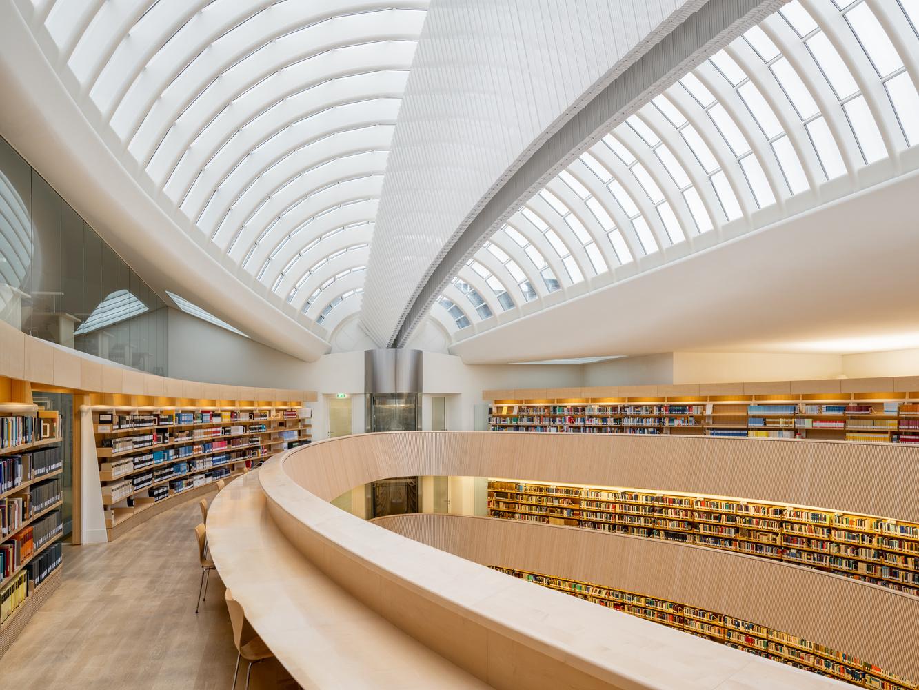 Law library University Zurich | Top Floor by Sebastian Grundgeir
