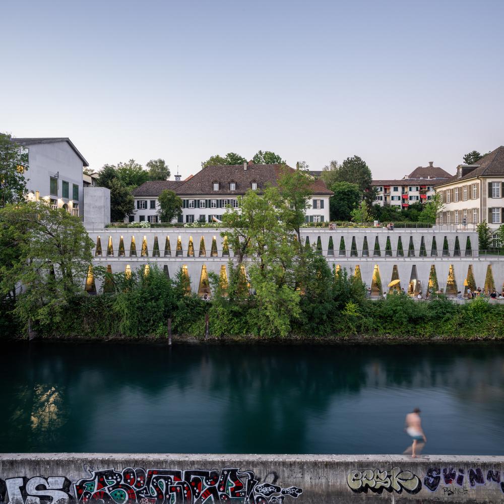 Tanzhaus by Sebastian Grundgeir