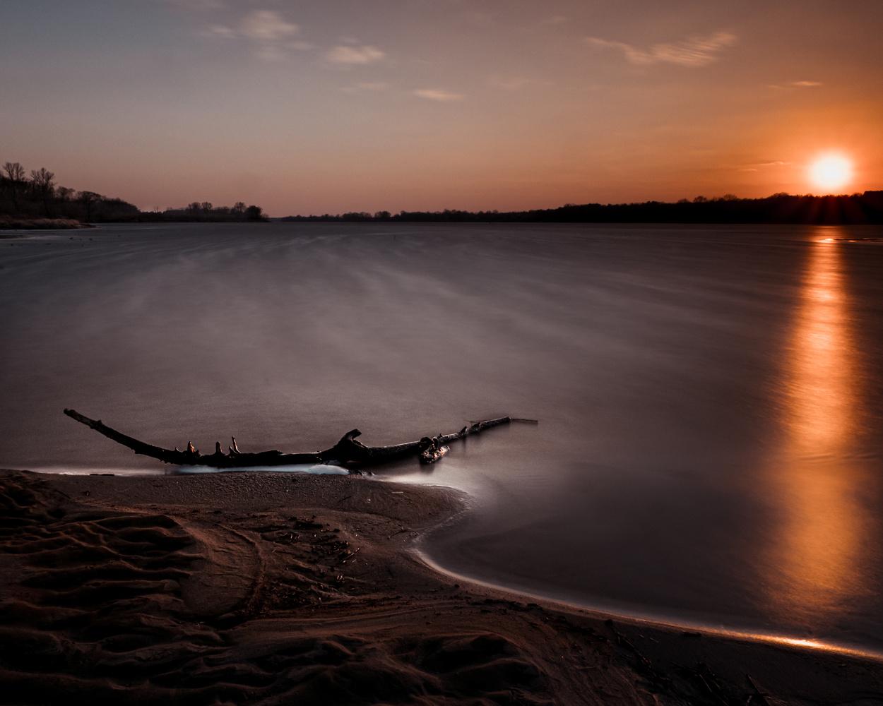 Vistula riwer by Jerzy Wolochowicz