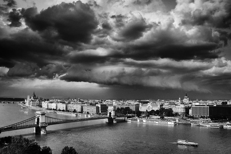 Budapest by Rechitan Sorin