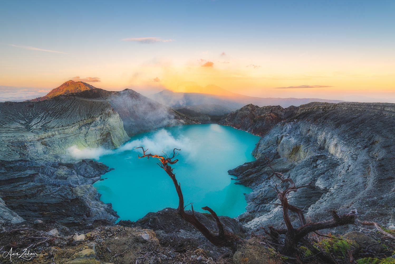 Mount Ijen by Aws Zuhair
