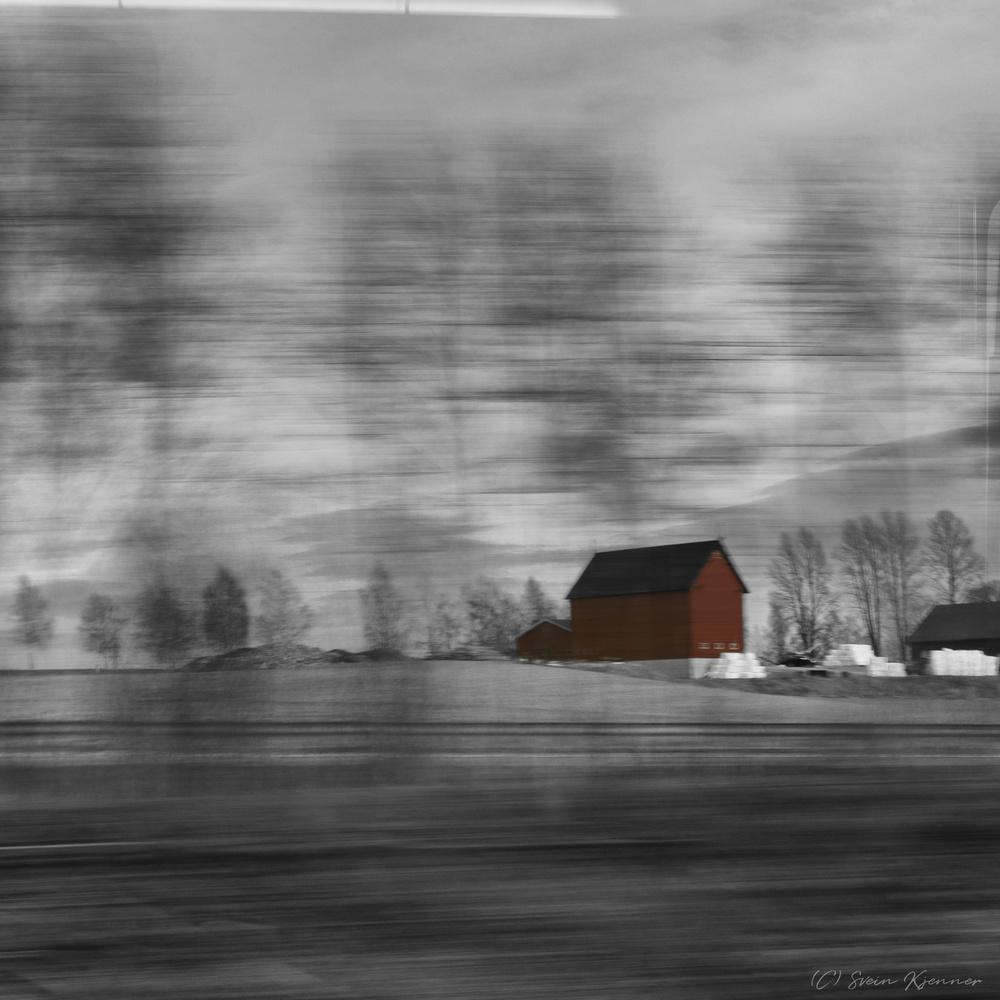 Farmhouse by Svein Kjenner