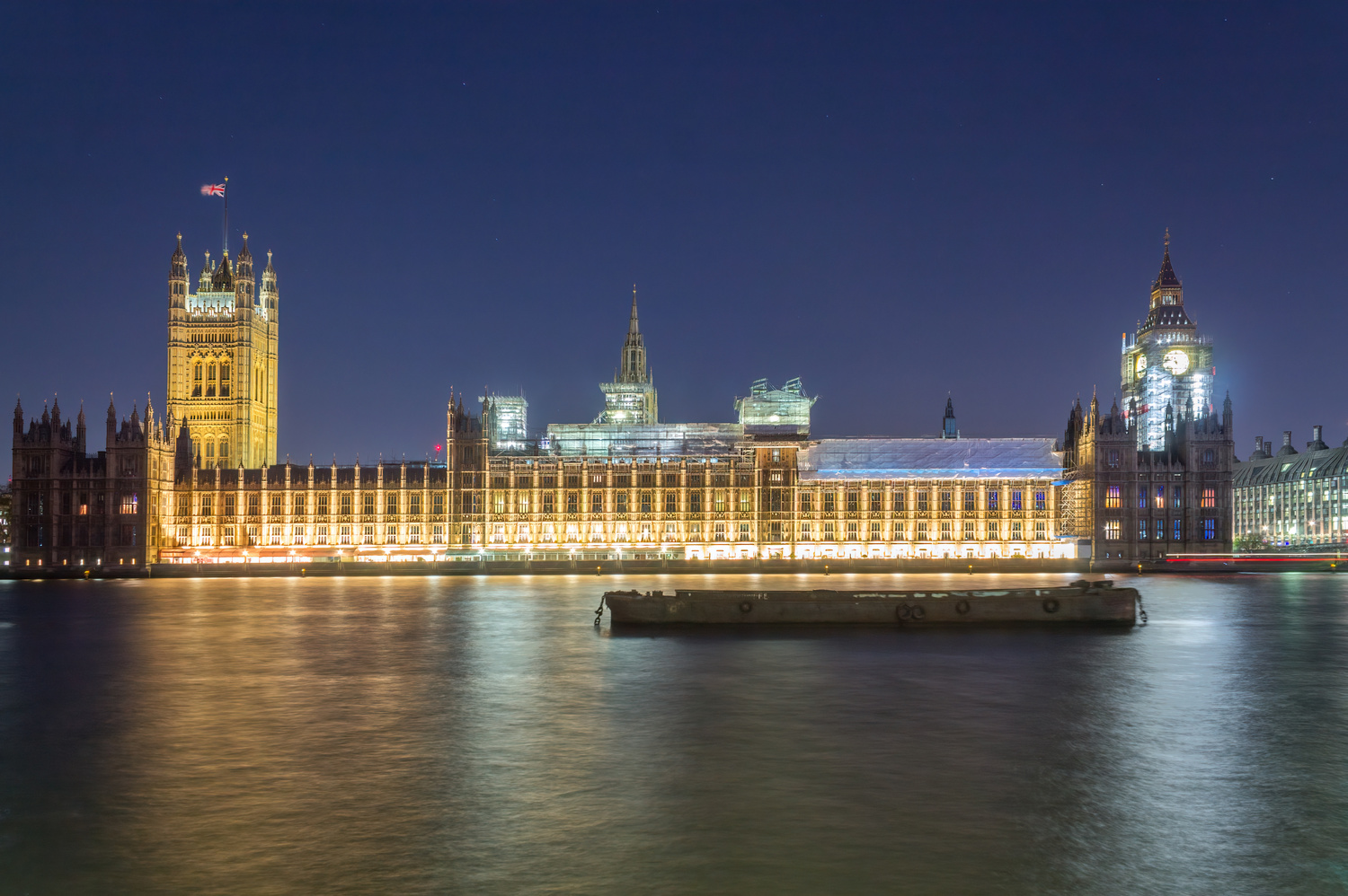 Stars above the Parliament by Luca Campioni