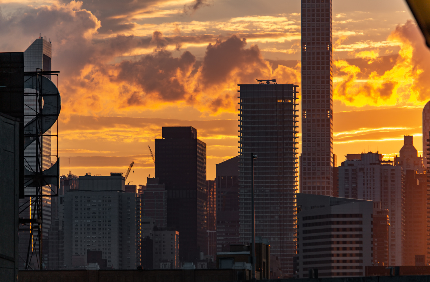Burning sky in NYC by Luca Campioni