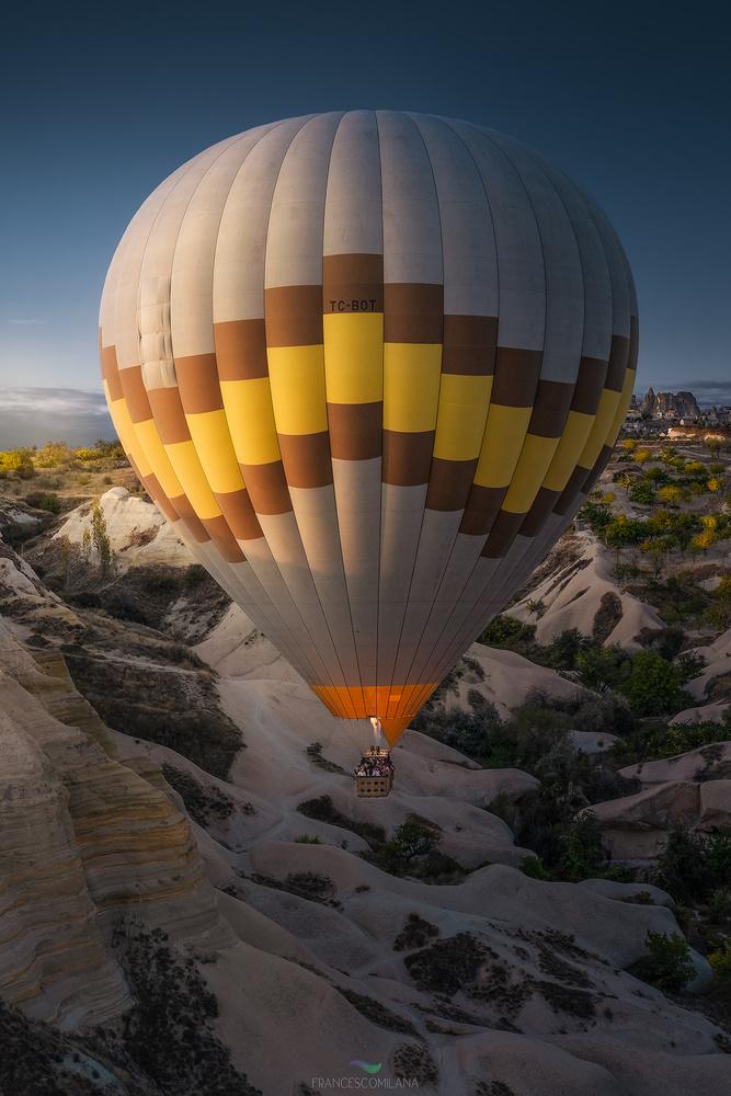 Hot air balloon by Francesco Milana