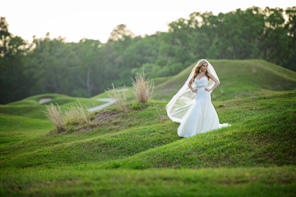 Golf course bridal portrait by Lee Morris