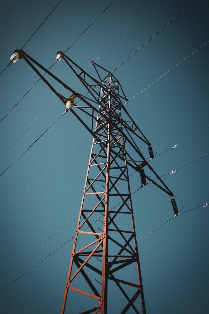 Power line by Sami Kaukolinna